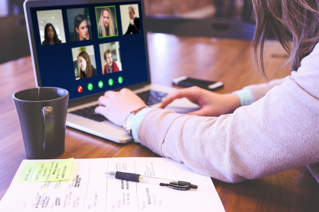 Video Conference Skype Webinar  - jagritparajuli99 / Pixabay