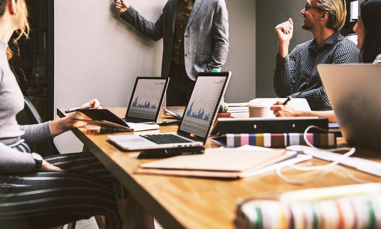 Work Office Team Company Internet  - RonaldCandonga / Pixabay